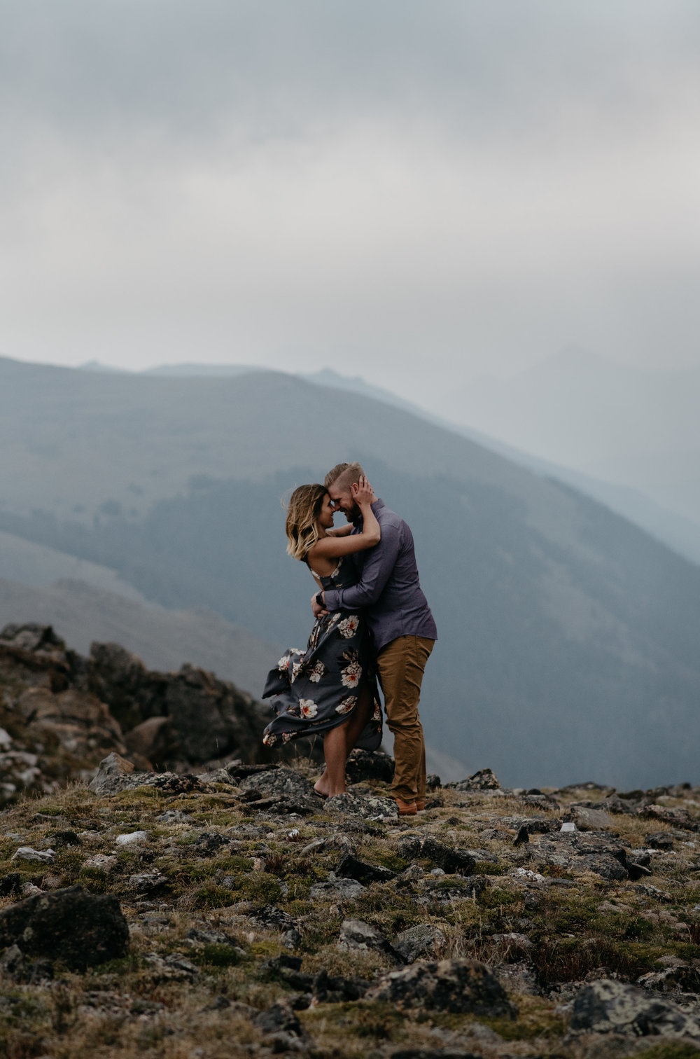 Colorado based elopement and wedding photographer, Alyssa Reinhold. Adventure elopement on Trail Ridge Road in Rocky Mountain National Park.
