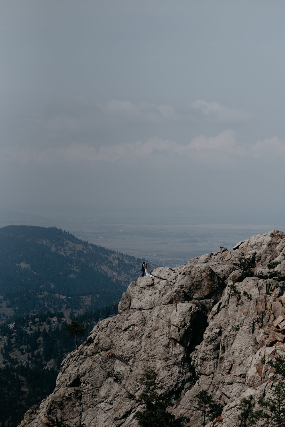 Colorado mountain elopement and wedding photographer. Adventure elopement in Boulder, Colorado.