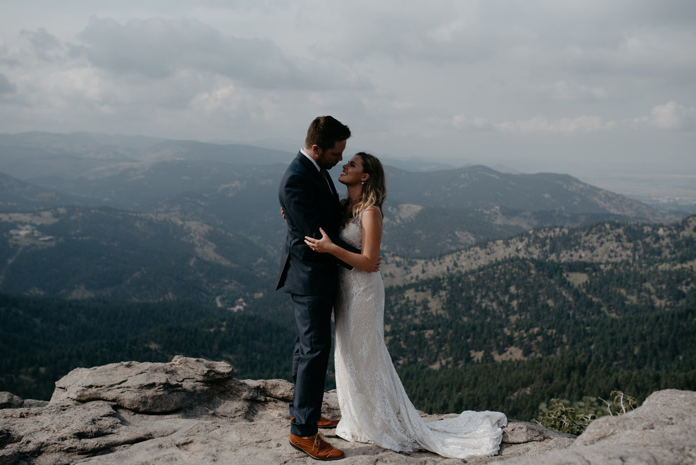 Boulder elopement photos. Colorado adventure wedding photographer.