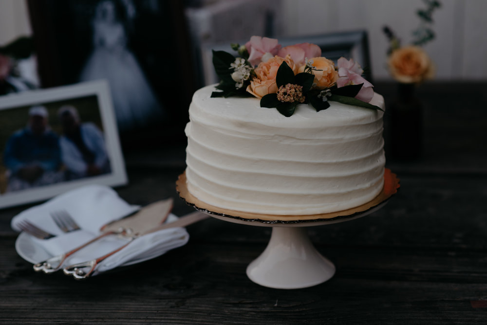 Wedding cake. Colorado elopement and wedding photographer.