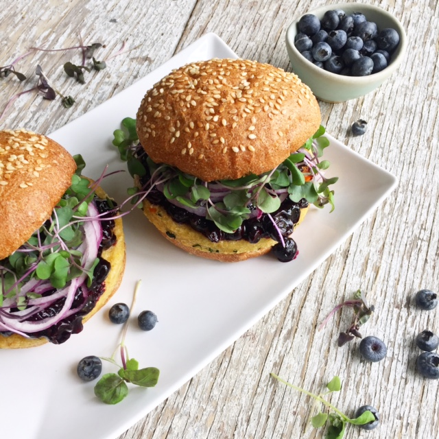 blueberry bbq sauce burger