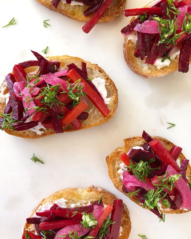this is the time of year for holiday parties and i recently made these little borscht crostini for a festivus gathering. they were a big hit! the perfect amount of savory, sweet, tangy, and crunch all in one (or two) bites. 😋❤️ . . inspired by @leah.koenig and a recipe in her little book of jewish appetizers 🥖 . . #beet #crostini #horsdoeuvre #canape #appetizer #vegan #plantbased #vegetarian #healthyish #feedfeed #feedfeedvegan @thefeedfeed #hautecuisines #beautifulcuisines #f52grams #huffposttaste #goopmake #chalkboardeats #thekitchn #gloobyfood #heresmyfood @food #cheflife #veganfoodshare #vegansofig #plantstrong #plantpusher #foodie #veganfoodie #madewithlove #veganfoodpic