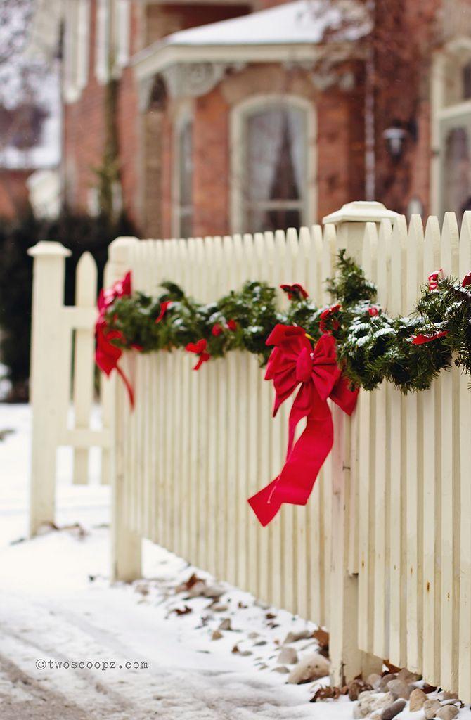 Christmas fence garland.jpg
