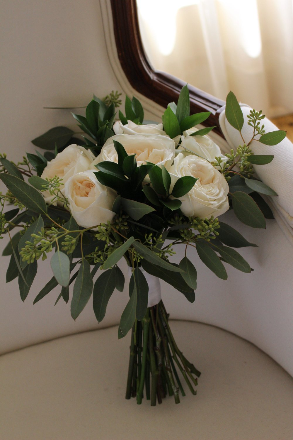 white bouquet.JPG