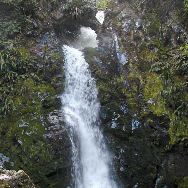 mt-nimrod-waterfall-1200-783.jpg