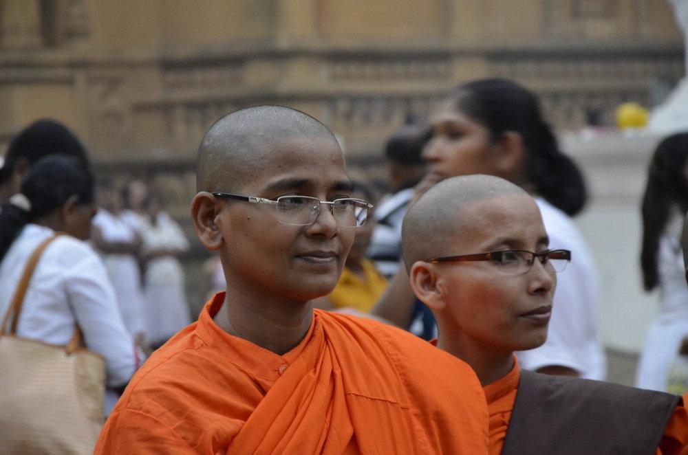 bhikkhuni_3.JPG