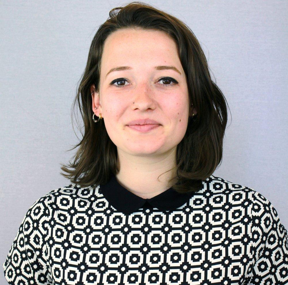 麦乐思   麦乐思是中国国际女性影展的 实习生 。她来自荷兰阿姆斯特丹。毕业于莱顿大学汉学系和国际政治系。对中国国内政治、社会政策以及社会运动很有兴趣,目前正在研究中国女性运动的政治机会。  邮件地址:  l.vanmegen@chinawomensff.net