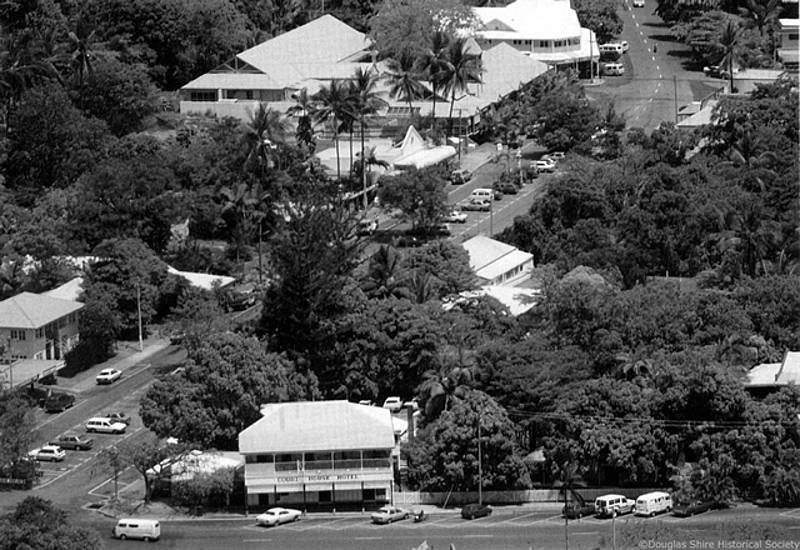 Aerial of Port Douglas in 1992 showing Macrossan and Wharf Streets |  Douglas Shire Historical Society