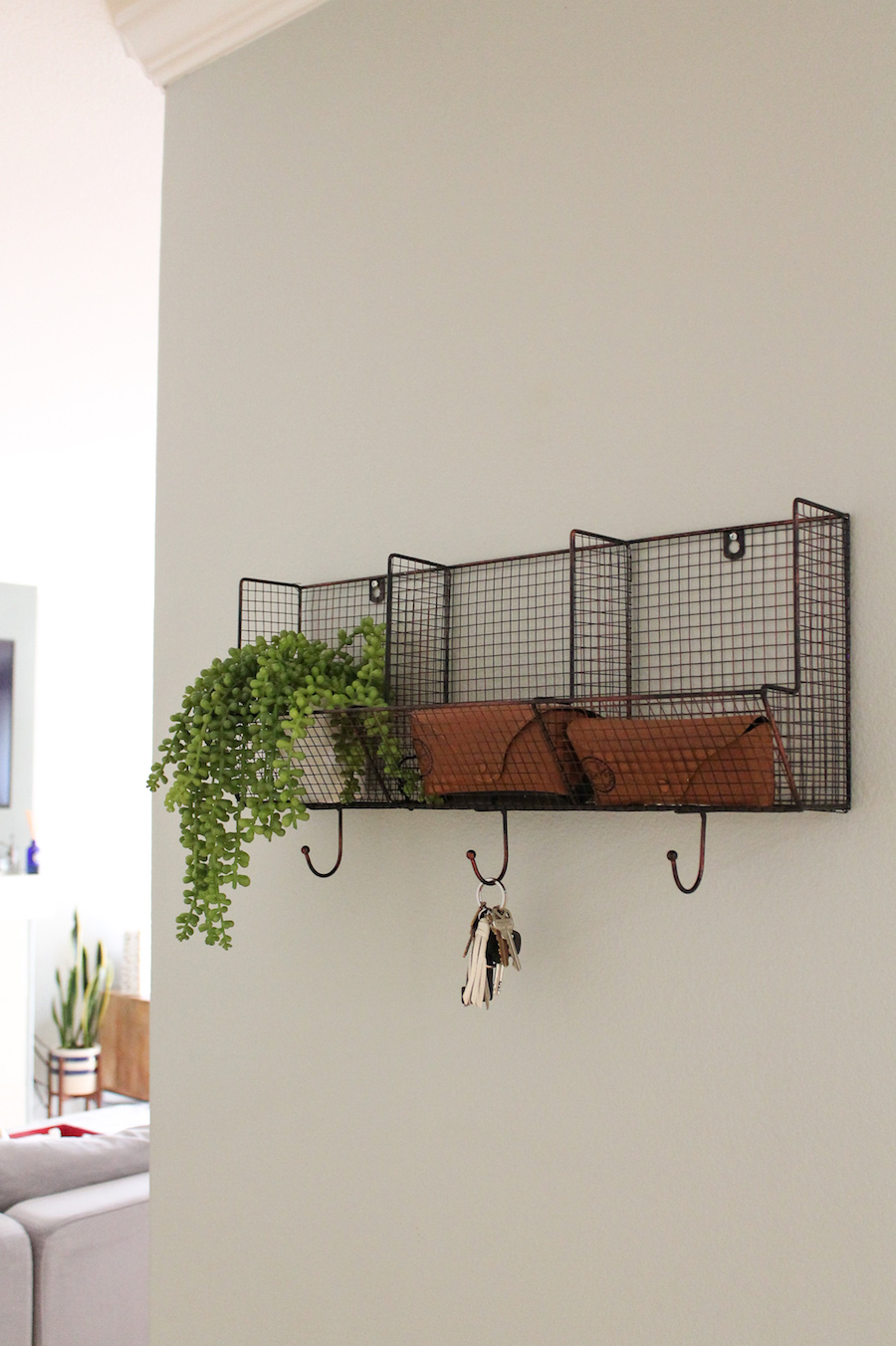styling-shelves-entryway.jpg