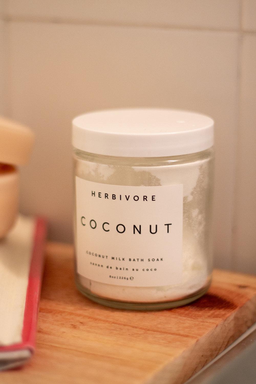 herbivore-coconut-bath-soak.jpg