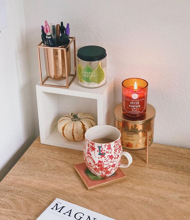 I don't think Austin knows what fall is, but I can pretend. 🍂 All about capturing the cozy moments right now. #deskdecor #workfromhomelife #fallcandles