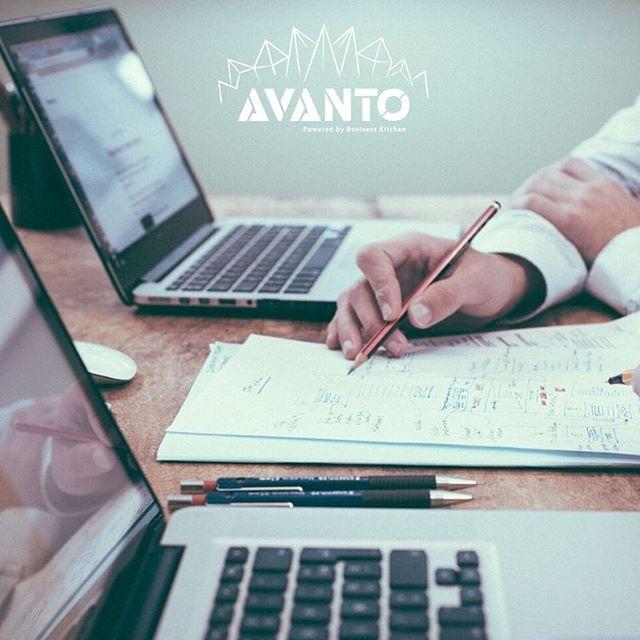 Huomenna on luvassa hyödyllinen työpaja rahoituksesta kaikille yrittäjyydestä kiinnostuneille! 😎 Avanto-työpajassa keskiviikkona 27.3. klo 16 tutustut keskeisimpiin rahoituslähteisiin aloittavan yrittäjän kannalta. Pääset myös suunnittelemaan omaa rahoitusstrategiaa mahdolliselle yritysideallesi. Tapahtuman vieraana on Laura Meriläinen BusinessOulusta. Työpaja järjestetään Oamkin Business Kitchenillä, tervetuloa mukaan! Lisätietoja biossa. #businesskitchen #avantooulu #yrittäjyys #rahoitus