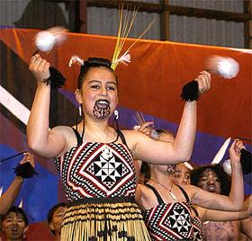 New Zealand Maoir poi balls thrown rhtymically. Image: Wikicommons