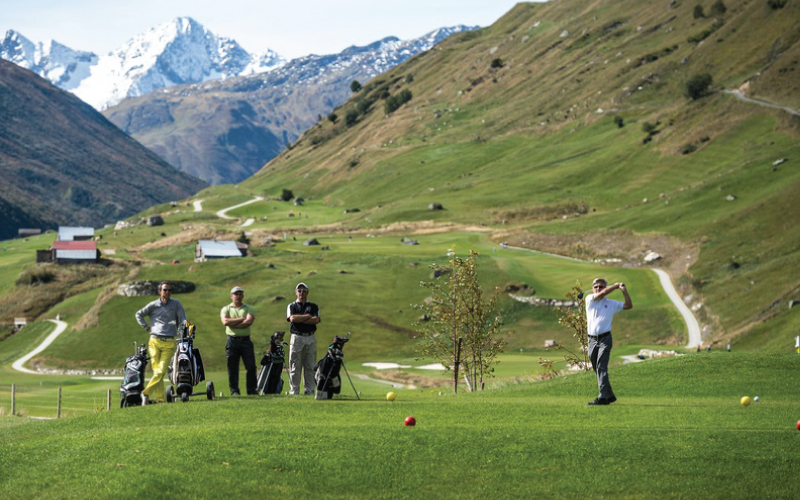 Golf world - Golfers love Andermatt. The 18-hole par 72 championship golf course, designed to rigorous environmental standards, is located immediately adjacent to the village and is beautifully nestled into the spectacular mountain countryside.