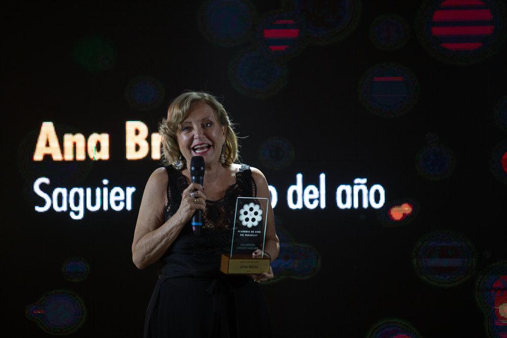 Ana Brun en momento de su discurso tras recibir el galardón Saguier Destacado del Año.