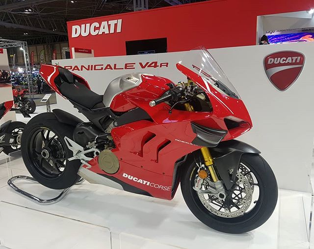 Yes, that's right. I'm at the final day of #motorcyclelive2018 standing next to the brand new #Ducati #Panigalev4R