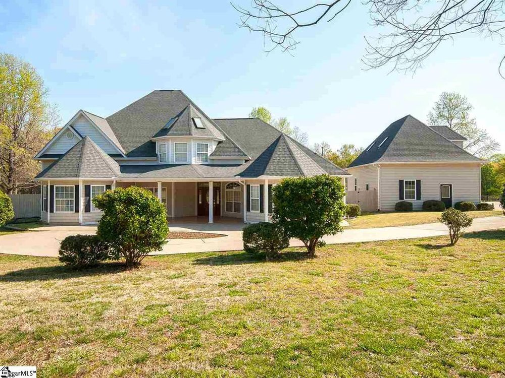 STATUS: ACTIVE   1411 Fairview Rd. | Simpsonville, SC | 29680  $460,000  |  MLS# 1365414  4 Beds, 4 baths I Greenville County