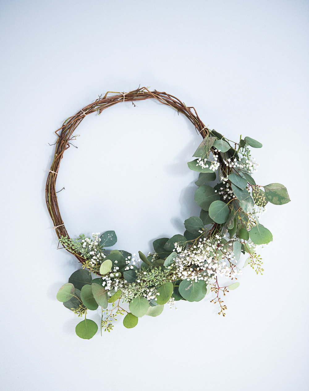 DIY Compostable Eucalyptus Wreath