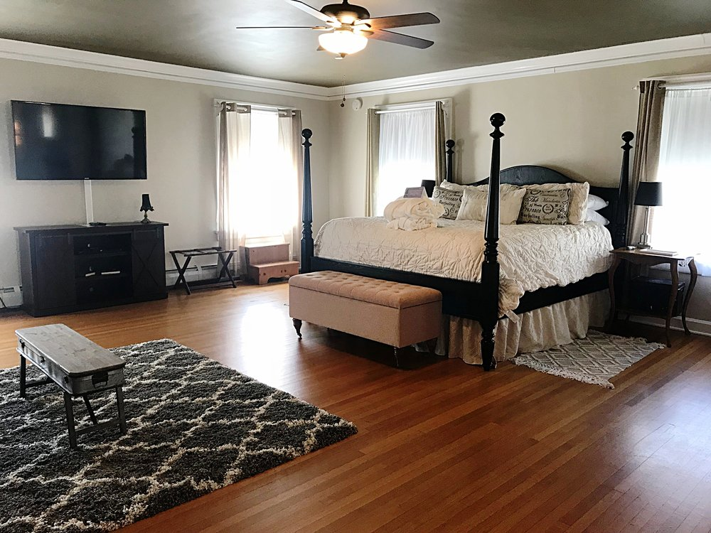 Room 1 Grand Suite