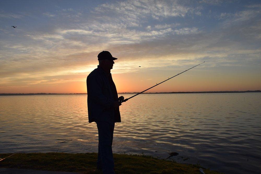 fisherman-2501497_1920.jpg