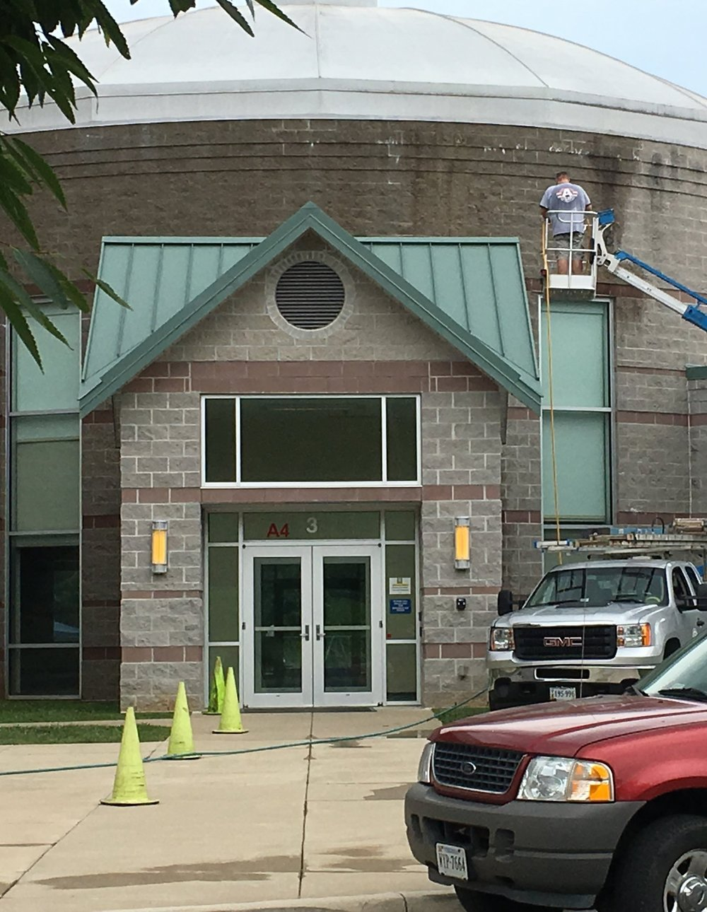 - Commercial Exterior Cleanings