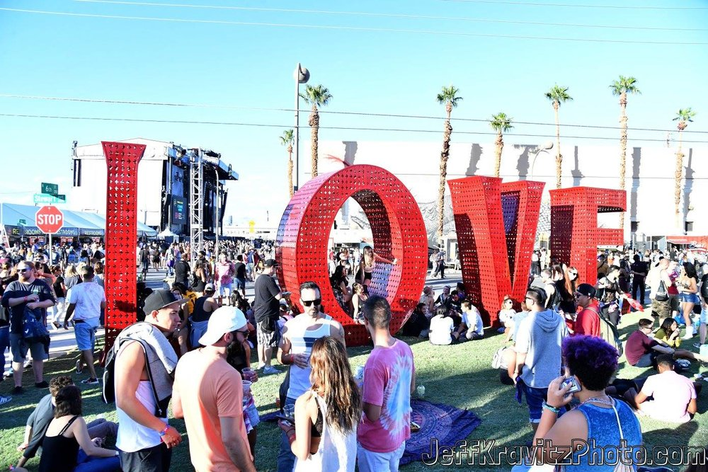 Festivalgoers attend day 1 of the 2017 Life Is Beautiful Festival on September 22, 2017 in Las Vegas, Nevada. Art by Laura Kimpton