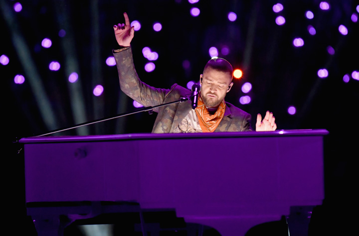 JT doing his best Liberace on the purple piano