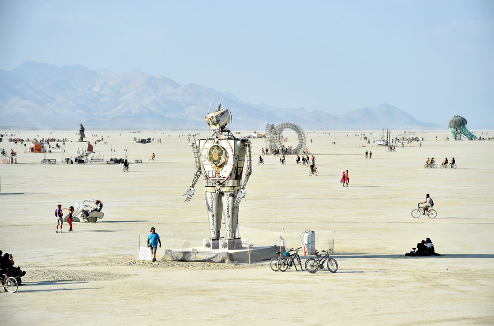 I Robot was the theme this year, Alan Parsons played it live for the second time ever at the Burn