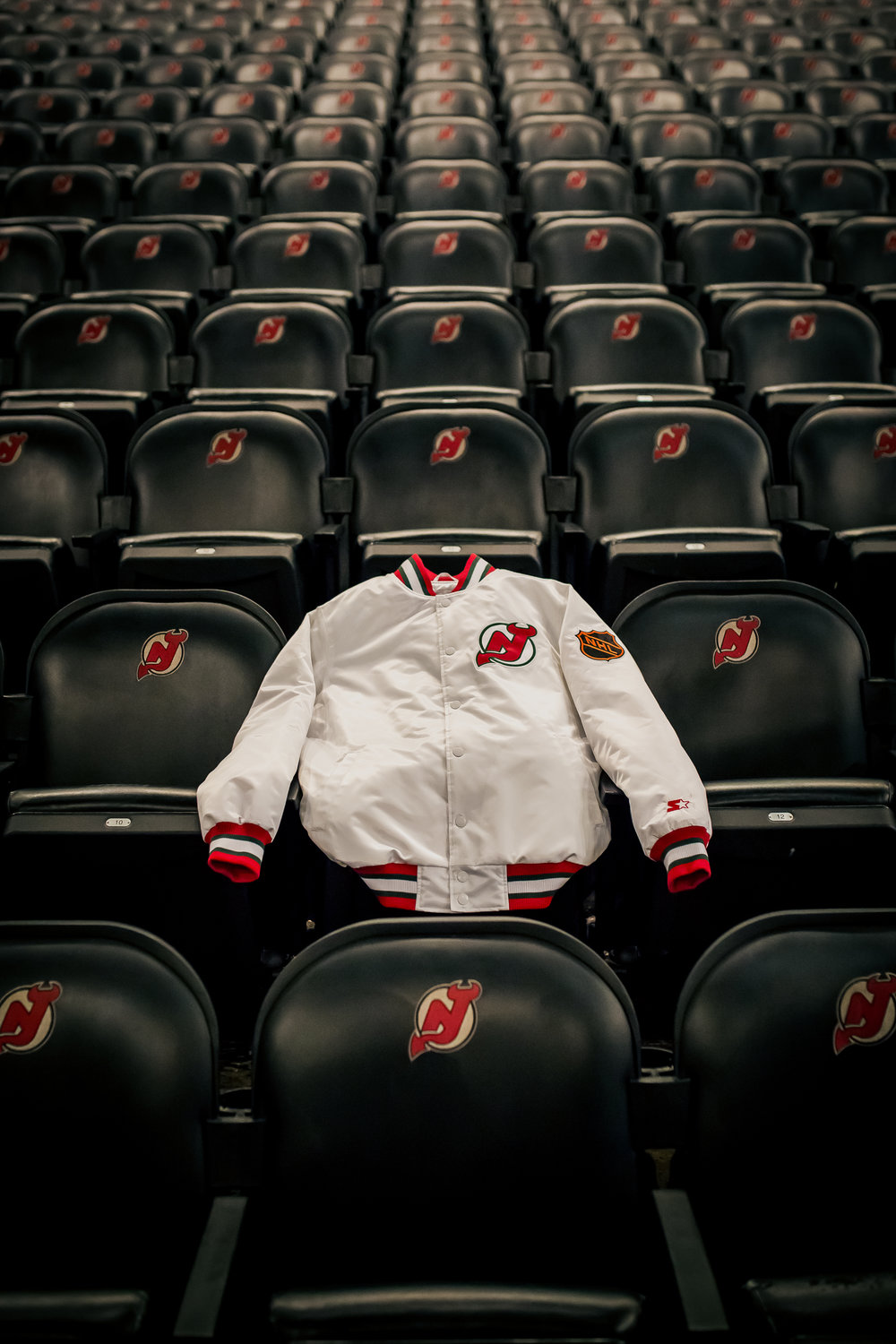 packer-starter-nj-devils-334-club-jacket-3.jpg