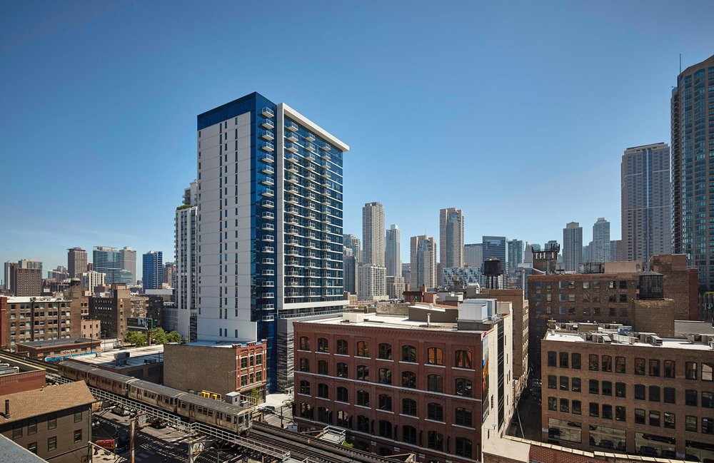 Jones Chicago <br> 220 W Illinois, Chicago <br> 188 Apartments