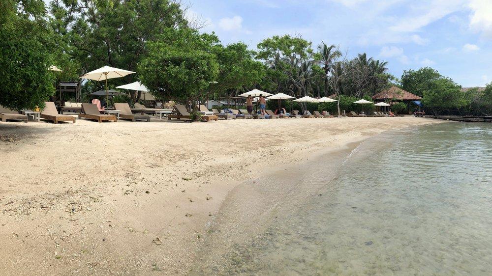 The beach at Islabela.