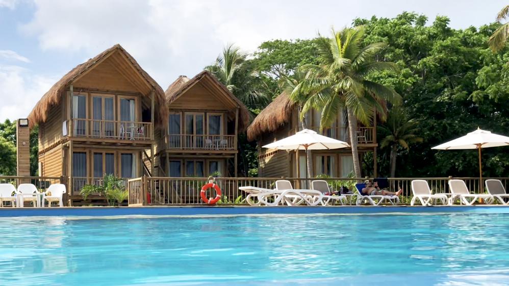 The most kid-friendly beach club near Cartagena is Isla del Encanto located on Barú.