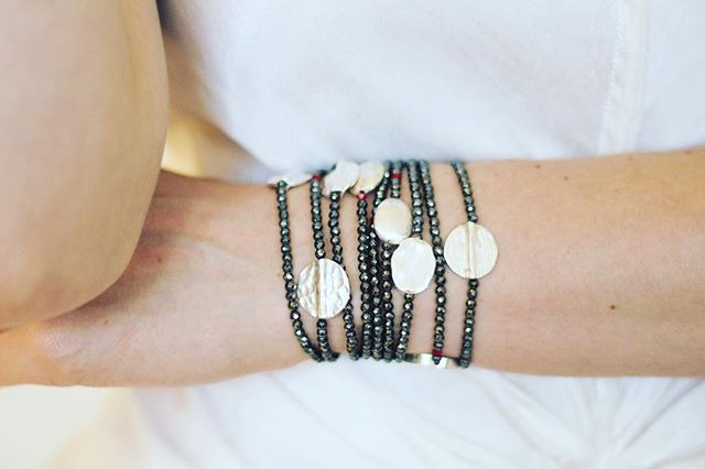 These bracelets are the best everyday accessory. I wear them with everything and I love giving them as gifts. If you're looking for something that goes with your day to day outfits — look no further! . . . . . #oneofakind #artjewelry #sculptural #modernjewelry #leather #fashionaccesories #accessorize #shopthelook #shopthepost #fashionlooks #fashionistastyle #ootd #jewelrytrends #jewelrygram #shopsmall #handmadejewelry #oneofakindjewelry #giftideas #giftsforher #holidaygiftguide #holidaygifts #everydaywear