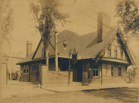 The Coffee Tree Inn stood at 14 Keyes Street (now renamed to McBride St.) and closed in 1920 as a result of Prohibition. The Boston Globe reported on the opening on June 20, 1898. The full text of that article can be  read here . A high-resolution copy of this photo can be  downloaded here . Photograph from JPHS archives.