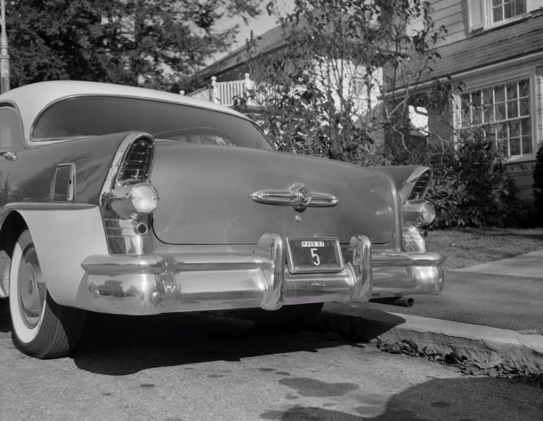 Curley's car displaying the number 5 license plate. Jamaica Plain Historical Society archives. https://www.digitalcommonwealth.org/search/commonwealth:kk91gc774