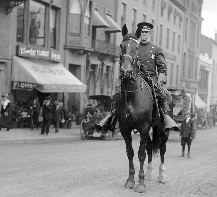 Boston mounted police. Courtesy of Boston Public Library.  Download