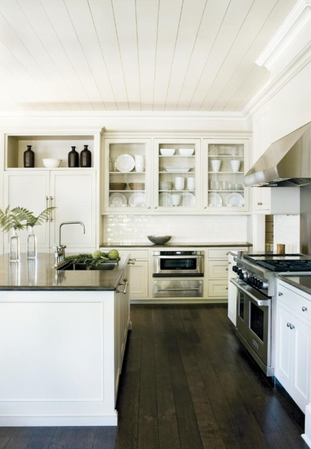Kitchen, Lake Oconee Retreat | William T. Baker