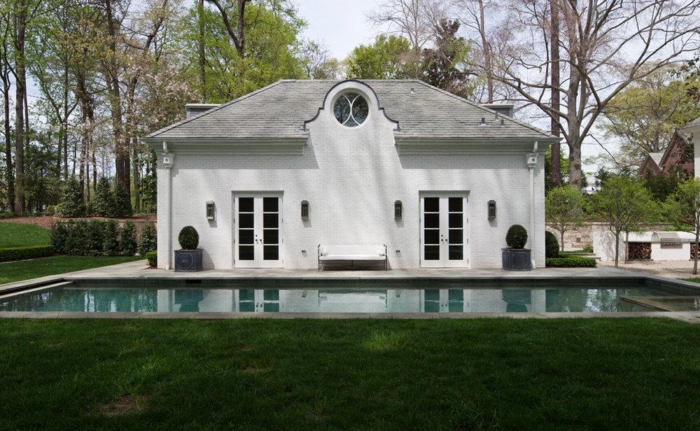 Resort-Style Pools | William T. Baker