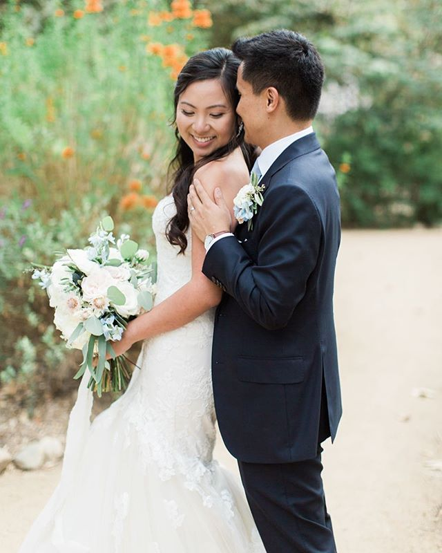 Happy anniversary to these two today! @linhstagrammed & @_doc_j - we hope it's a wonderful first anniversary!! ___ Vendor love 💕  Coordination: @confettiskies