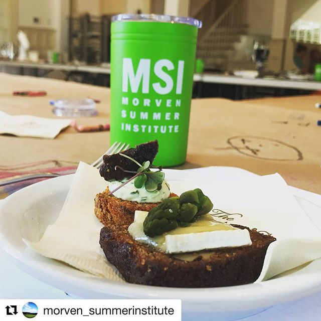 #Repost @morven_summerinstitute ・・・ Cooking demo with Chef Dale from the Boars Head!!! Step 1: Hors D'Oeuvres •black mission fig & herbed goat cheese on rye toast •warm carrot nut bread, brie cheese and poached asparagus