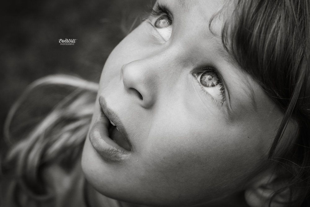 candid-outdoor-natural-child-photography-waterloo