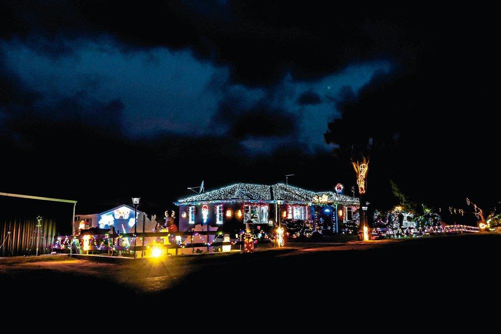 • Joanne Bowens house transformed into a Christmas wonderlandd.