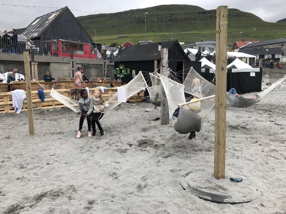 Aja, gott at hvíla beinini eina løtu og njóta nakrar góðar tóna.
