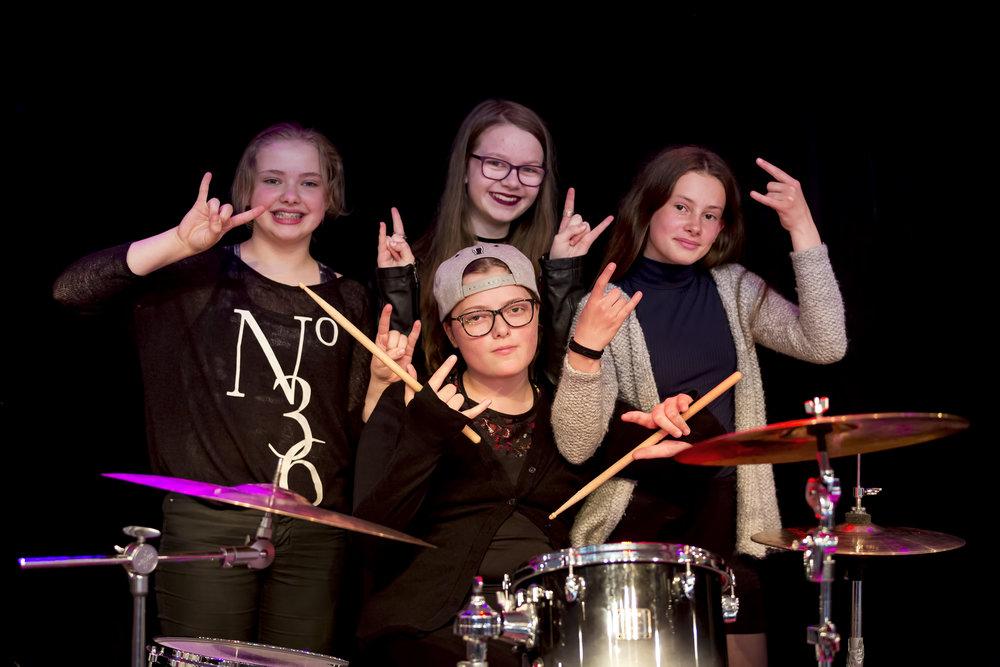 Gentur rokka! Frá vinstru: Sára, Elinborg, Julia og Rannveig Rós. Mynd: Ólavur Frederiksen / faroephoto