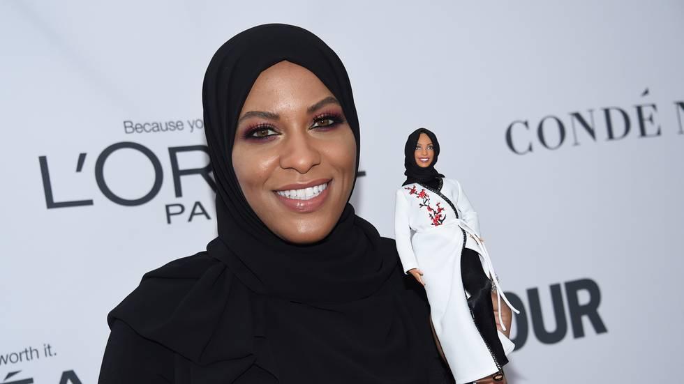 Barbiedukkan við hijab er gjørd eftir amerikanska fektaranum Ibtihaj Muhammad, sum vann bronsu í OL í 2016
