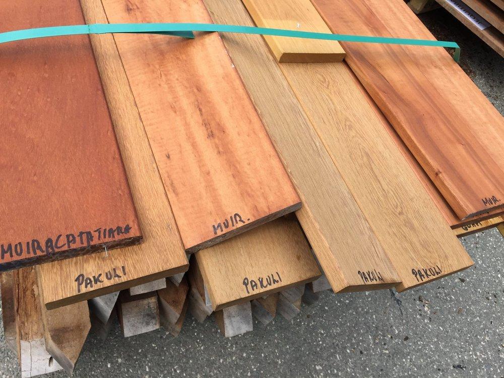 Nogle af de forskellige træarter, der er anvendt i projektet.