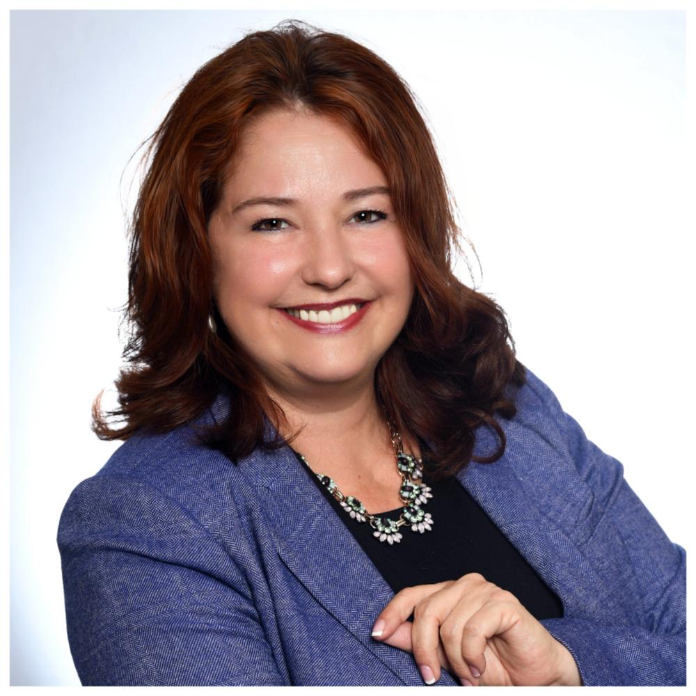 Marie Lapointe - Présidente-directrice-générale, AluQuébecMarie Lapointe occupe le poste de présidente-directrice générale. Elle possède plus de 25 années d'expérience à titre de cadre senior au sein de Rio Tinto. Titulaire d'un baccalauréat en ingénierie - génie unifié, elle s'est perfectionnée en gestion, en marketing et en analyse stratégique.Marie est appelée à participer à la mise en œuvre de plans et projets établis par le CA et les chantiers de la Grappe. Elle enrichit l'offre de service de soutien aux entreprises du secteur aluminium en l'adaptant aux besoins spécifiques de chacun. Elle soutient les chantiers dans leurs actions et les assiste au besoin. Elle produit et gère un plan d'affaires lié au développement de partenariat d'affaires. Par son action,elle favorise et facilite les synergies entre donneurs d'ordres, manufacturiers et fournisseurs pour faire rayonner le rôle de la Grappe, ainsi que pour informer et attirer les fabricants et partenaires.