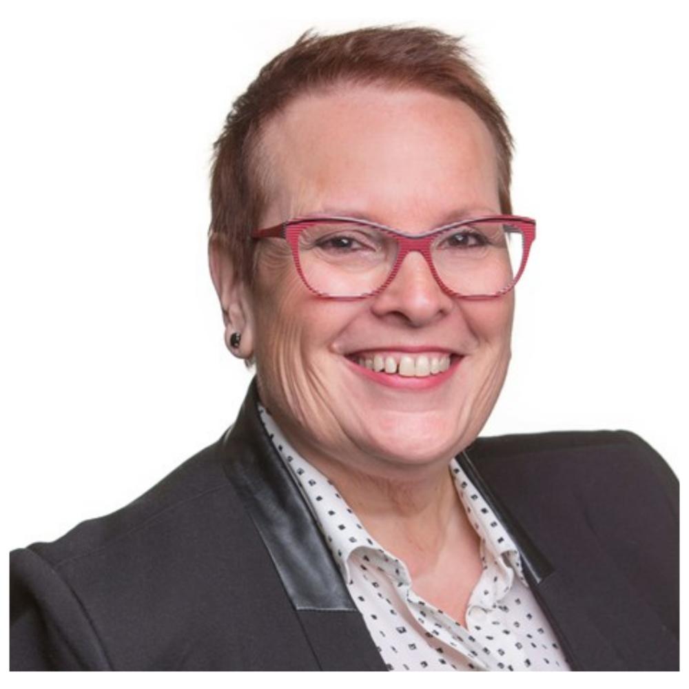 """Chantal Francoeur - Vice-présidente, Ressources humaines et développement organisationnel, Nemaska LithiumChantal Francoeur compte plus de 25 ans d'expérience dans l'industrie minière et métallurgique, tant au Canada qu'à l'international.Avant de rejoindre Nemaska Lithium comme Vice-Présidente ressources humaines et développement organisationnel en octobre 2016, elle était de 2010 à septembre 2016 Vice-Présidente ressources humaines et communication chez Koniambo Nickel SAS, pour le démarrage d'un projet minier et métallurgique de nickel situé en Nouvelle-Calédonie et propriété à 49 % de Glencore.Avant de se joindre à Koniambo Nickel SAS elle a été directrice des ressources humaines de Xstrata Copper Canada au siège social de Toronto. Toujours pour Xstrata, elle a oeuvré à titre de directrice des ressources humaines et de la communication pour Métallurgie Magnola Inc., un projet de transformation du magnésium situé à Asbestos et en tant que directrice des ressources humaines et de la communication à la fonderie Horne à Rouyn-Noranda.De 1990 à 1997, elle participe également au démarrage d'un autre projet majeur en tant que directrice du développement organisationnel et de la santé et sécurité pour Aluminerie Alouette Inc. à Sept-Îles (Québec).En 2016, Mme Francoeur a été nommé l'une des 100 femmes les plus inspirantes du monde minier (100 Global Inspirational Women in Mining) par l'association internationale """"Women in Mining de Londres"""". Elle est titulaire d'un baccalauréat en relations industrielles del'Université de Montréal."""