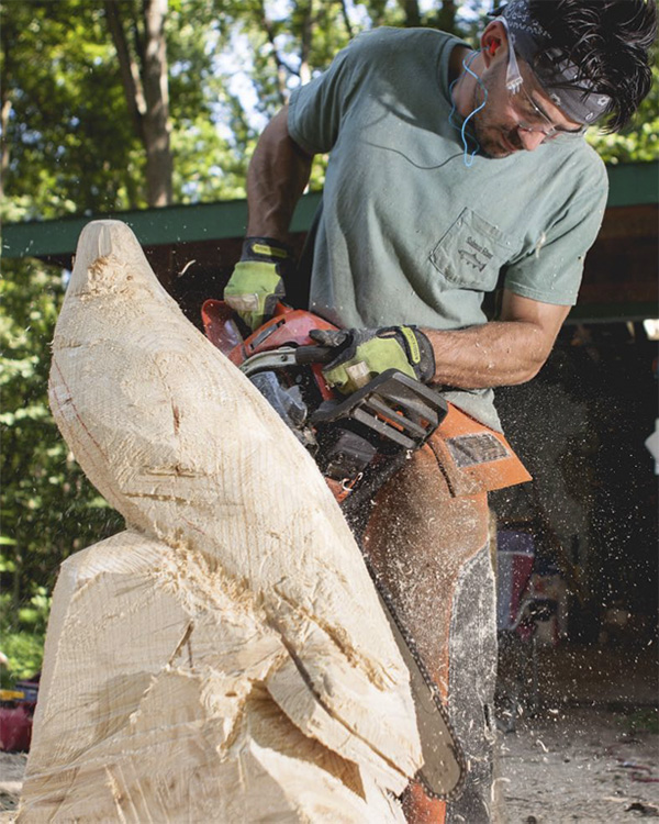 whcc__0001_travis_carving01.jpg.jpg