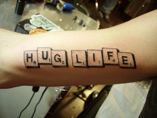 tattoo_lettering_hug